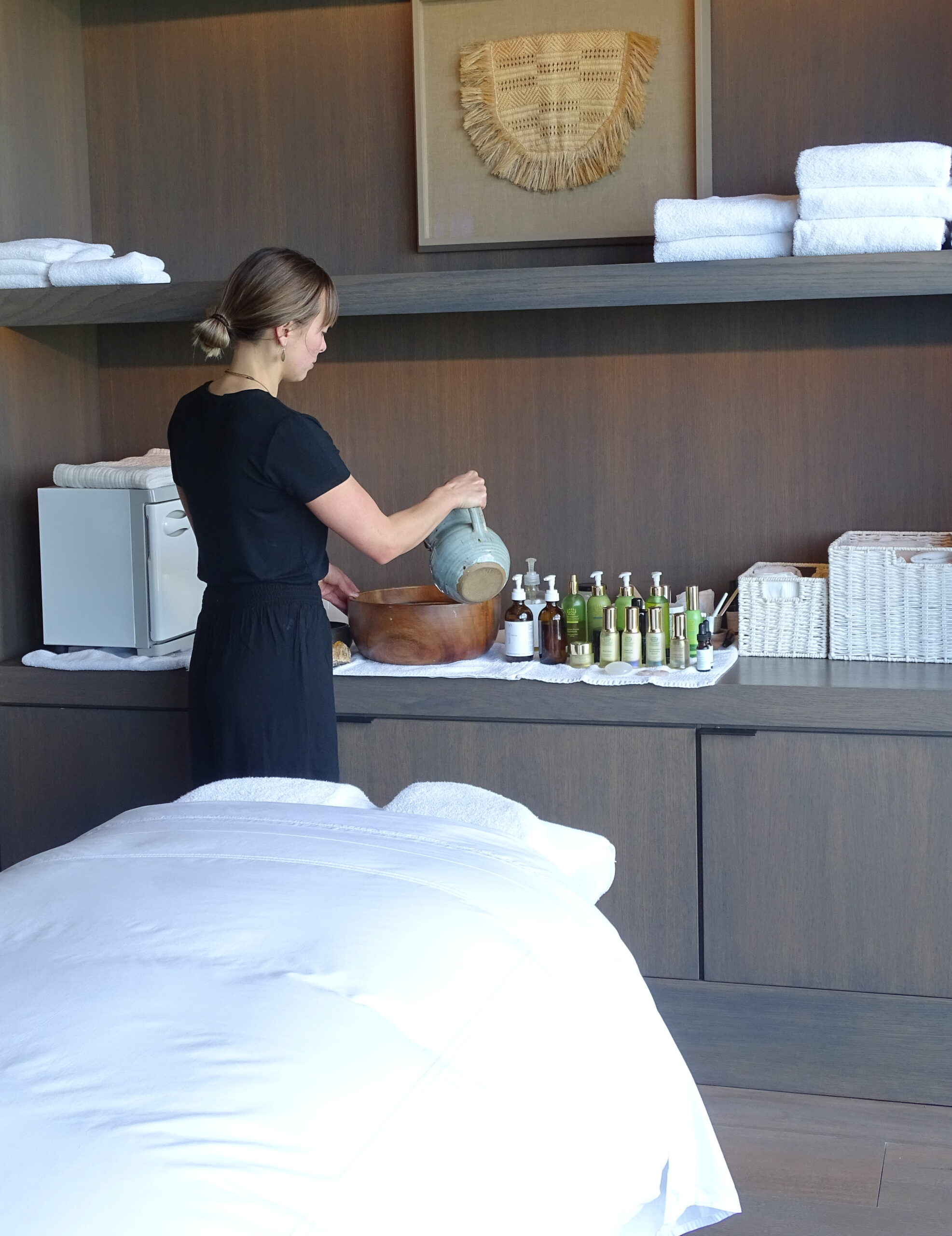 Massage therapist in Cooper Residence for Women's Wellness Weekend