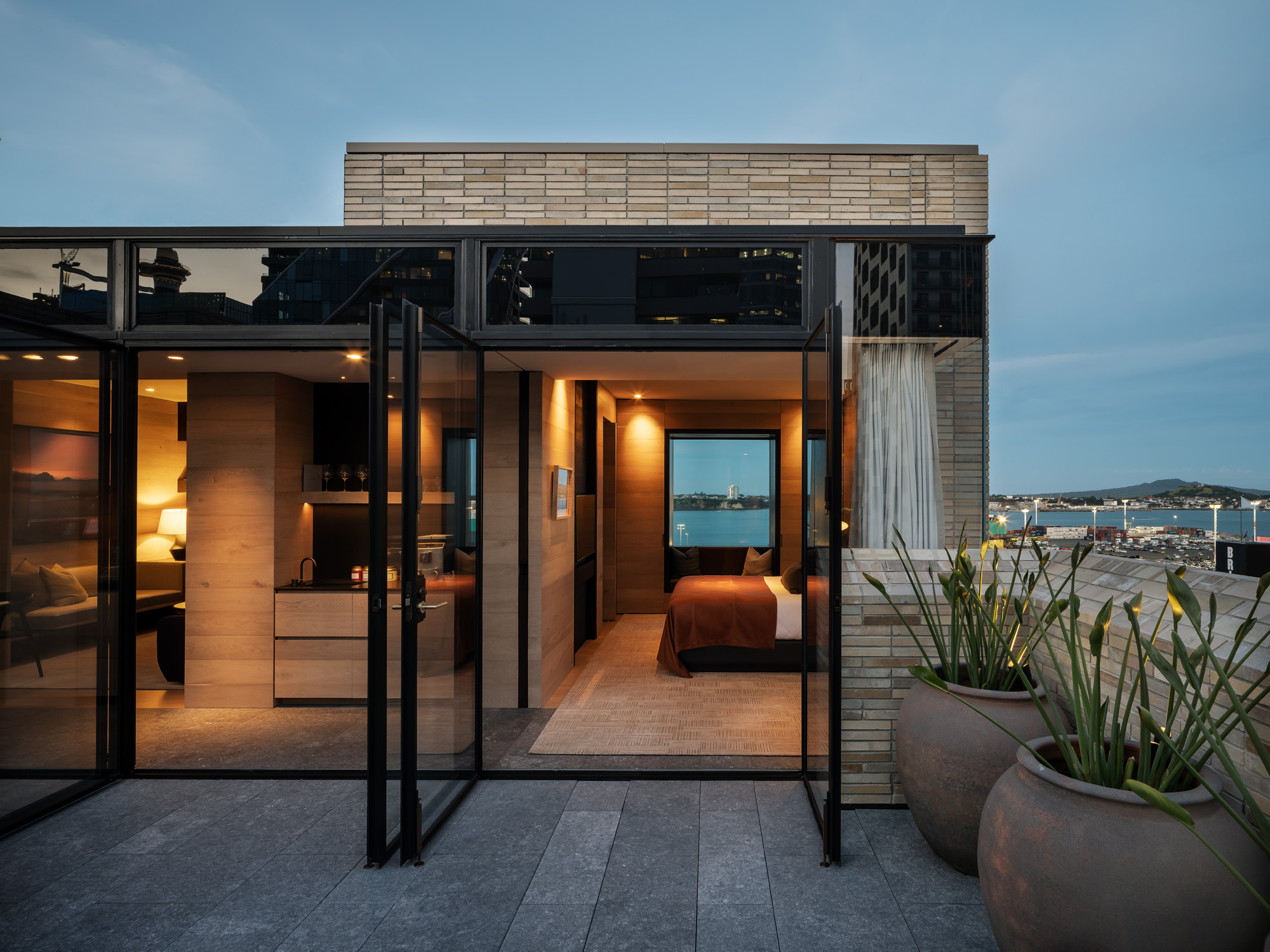 Rangihoua suite with views to Rangitoto - The Landing Suites at The Hotel Britomart